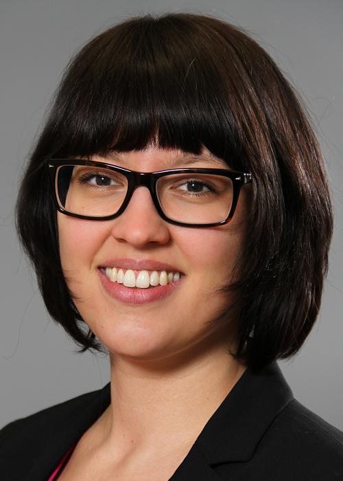 Dr. Kristina Czura
