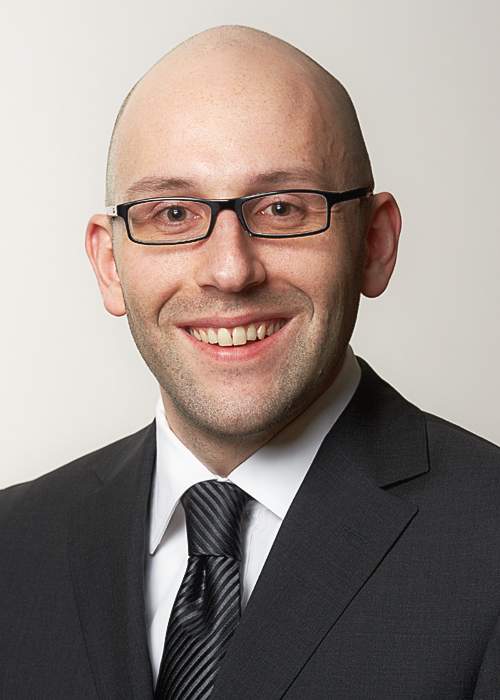 Dr. Daniel Guhl