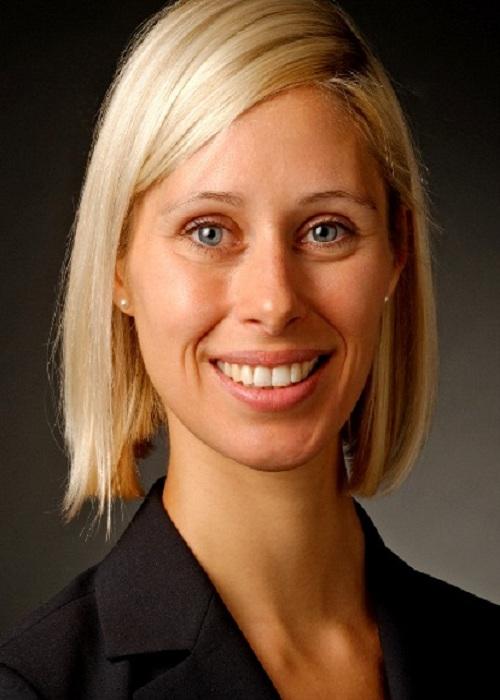 Dr. Jasmin Gröschl